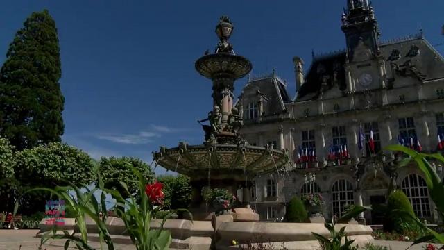 La fontaine de l 39 h tel de ville de limoges - Piscine municipale limoges ...